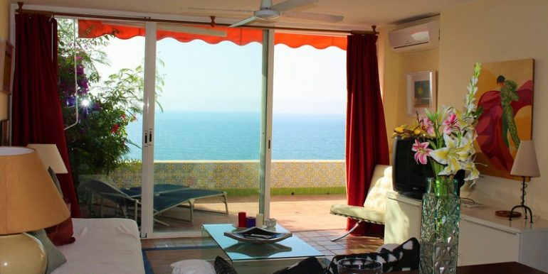 Living with sea view