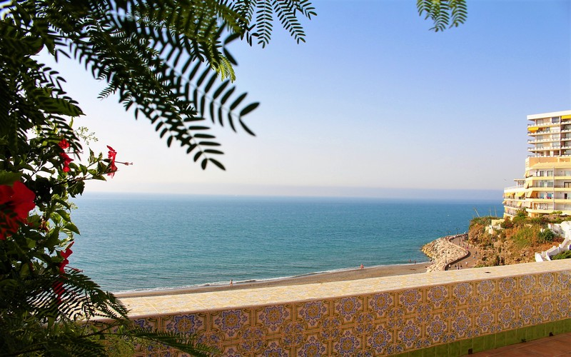 Beach Bungalow with overall sea views