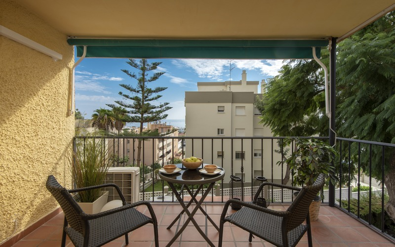 Light two bedroom apartment with sea views, close to Center and La Carihuela beach